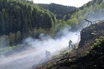 Požár lesa u obce Liberk na Rychnovsku.