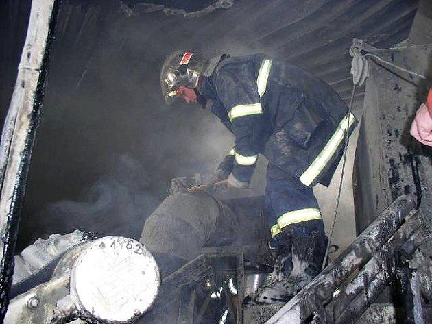 Požár v mísírně v Rychnově nad Kněžnou.
