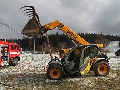 Požár zemědělského stoje ve Chmelišti.