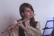 Na své začátky si Barbora Richterová pamatuje velice dobře - když byla malá, měla z koncertů stejnou hrůzu jako většina jejích vrstevníků. Nyní je žákyní 4. ročníku II. cyklu a ve středu zahraje na Jarním koncertě v Opočně