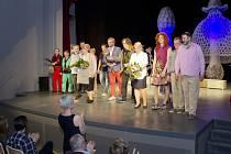 Premiéra hry Ještěři se konala v kulturním domě v Týništi nad Orlicí.