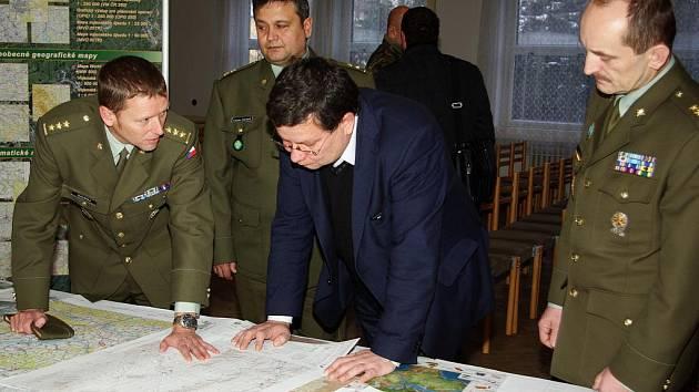 Ministr Vondra v centru geografie