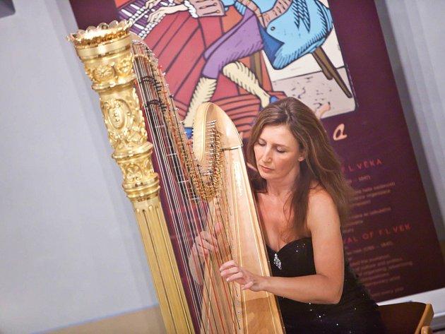 Harfa je její osud. Dostala se k ní už v plenkách