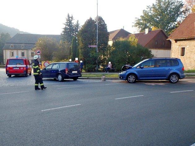 Dopravní nehoda dvou osobních automobilů v Potštejně.