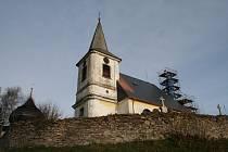 Bartošovice v Orlických horách - kostel sv. Máří Magdaleny.