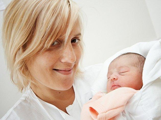 LINDA: Vendula Havlová a Tomáš Ryngl z Rovně přivedli na svět 1. června ve 14.31 prvorozenou dceru Lindu (3,12 kg a 49 cm). Tatínek byl u porodu a vše zvládl na výbornou.