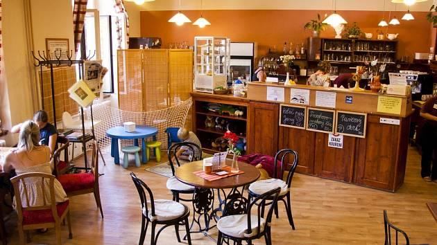 Kavárna Láry Fáry č.12