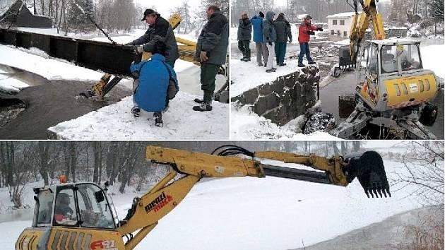 DVA DNY TRVÁ NA DIVOKÉ ORLICI mezi Doudlebami nad Orlicí a Zámělí preventivní drcení ledových ker. Práce začaly včera u doudlebského jezu. Speciální bagr se pohybuje směrem k Záměli a čistí řečiště.