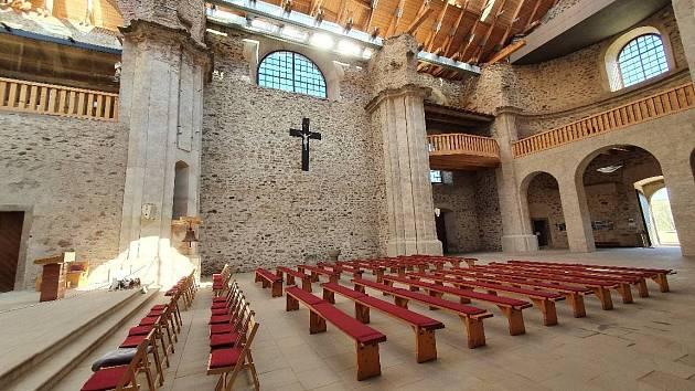 Kostel Nanebevzetí Panny Marie v Neratově.