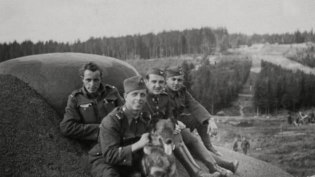 Jak jsme žili v Československu:  historie dělostřeleckých tvrzí v Orlických horách.