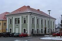 Škola, kam chodil Poláček.