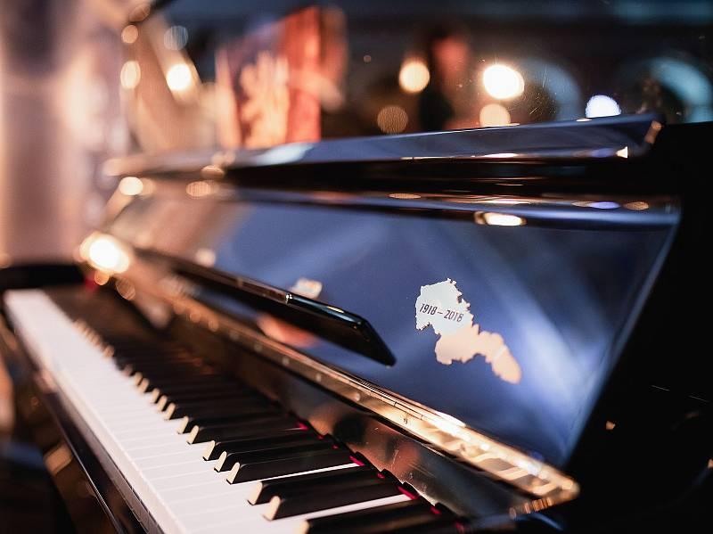 Piano republika.