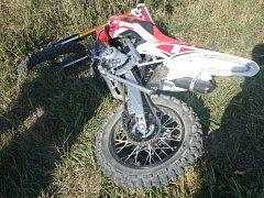 Havárie motocyklu v katastru Rovně.