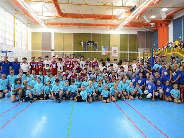 Naši volejbalisté slavili výhru nad Japonskem.