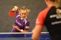 PODÁNÍ. Doberská stolní tenistka Zdena Blašková podala v extraligových zápasech na Moravě kvalitní výkony.