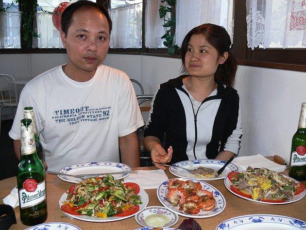 David (vietnamsky Hoang) Thanh provozuje  asijské bistro s partnerkou Evou.
