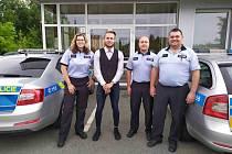 Policisté zachránili cyklistovi život. U muže v přímém ohrožení života použili defibrilátor.