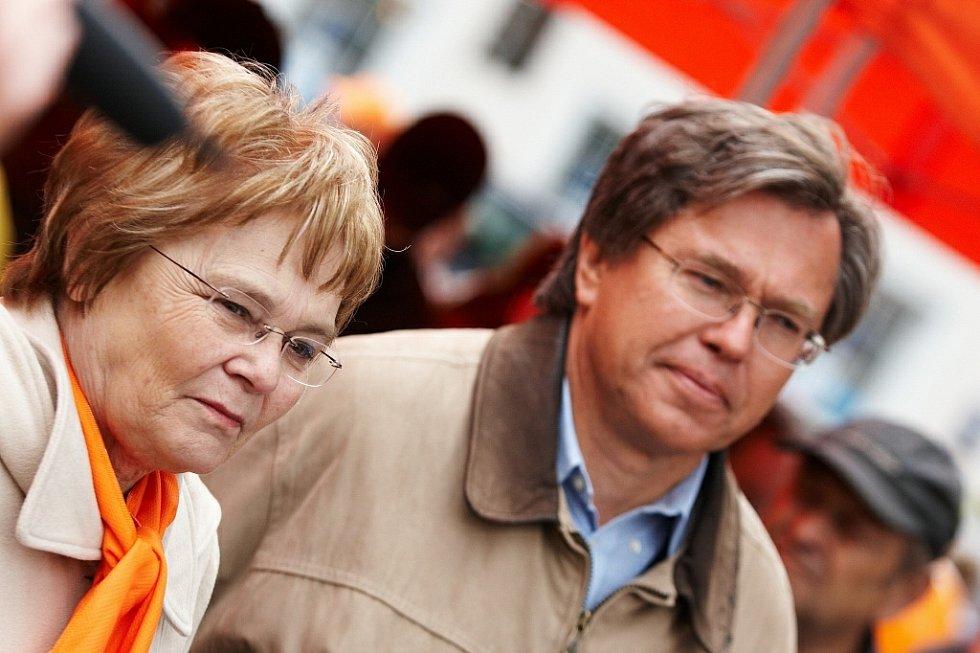 Předvolební mítink ČSSD v Rychnově nad Kněžnou (Hana Orgoníková a Libor Rouček).