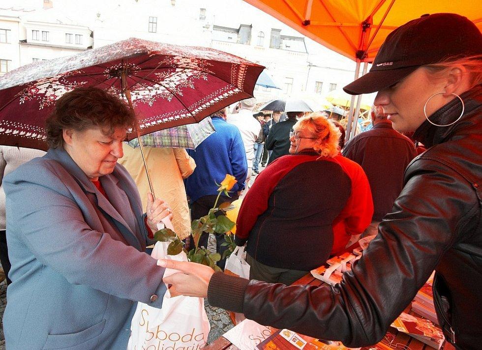 Předvolební mítink ČSSD v Rychnově nad Kněžnou.