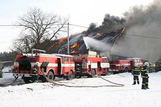 V Olešnici v O. h. hořela zemědělská usedlost.