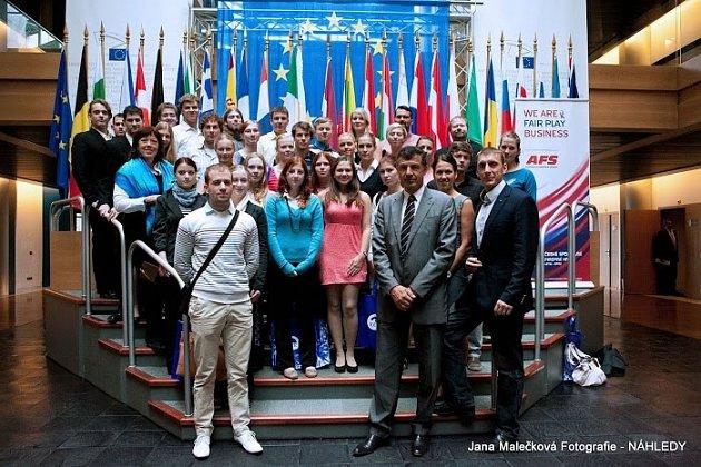 DVOUDENNÍ PROGRAM si studenti z Dobrušky užili. Prohlédli si město a měli možnost diskutovat v Evropském parlamentu s Oldřichem Vlasákem.