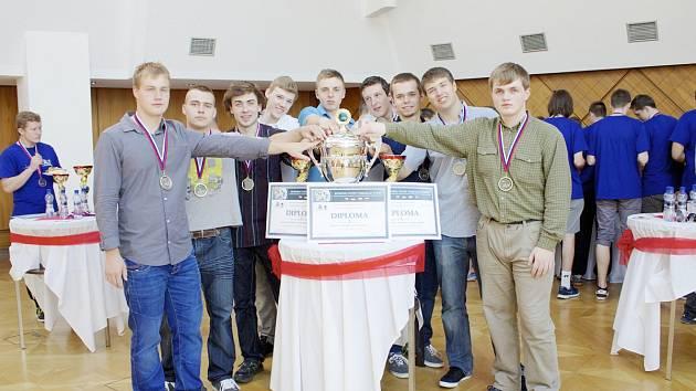 Veslařská štafeta z dobrušské Střední průmyslové školy elektrotechniky a informačních technologií uspěla v mezinárodní konkurenci