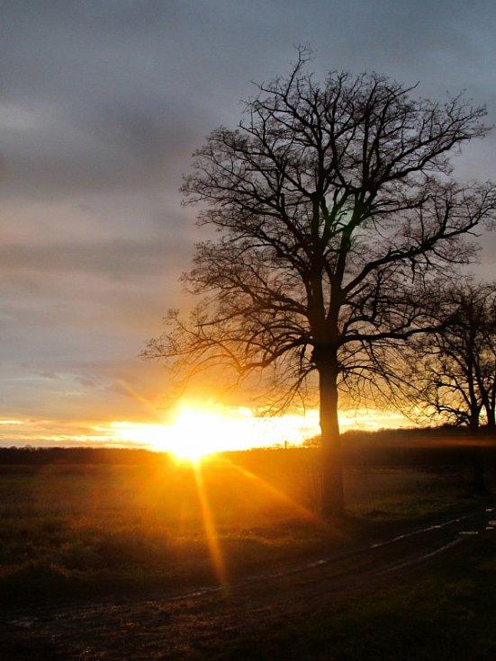 Kouzelný západ slunce nad Mokrým