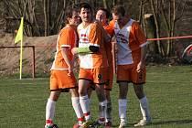 Čtyři góly vstřelili fotbalisté Javornice do sítě hostů z Deštného v Orlických horách a radovali se ze zisku tří bodů.