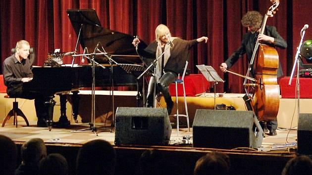 Chantal Poullain & Štěpán Markovič trio