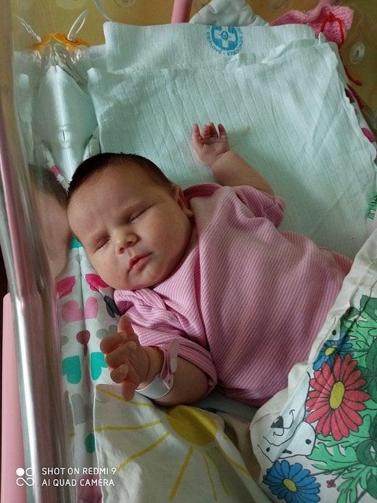 Anna Tomková se narodila mamince Janě Tomkové 3. 3. 2021 v8:18 hodin.