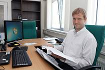 DUŠAN SALFICKÝ v sobotu vymění kancelář za hory. Bývalý gólman se zúčastní Orlického maratonu v běhu na lyžích