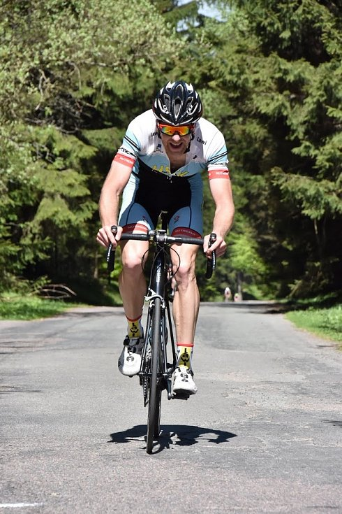 VÍTĚZ. S nástrahami náročné horské časovky se nejlépe vypořádal držitel traťového rekordu Lukáš Čáp.