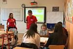 Škola propaguje jazykovou rozmanitost a studium jazyků.