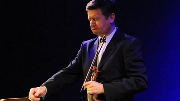 Ivan Ženatý, vynikající houslista a profesor Institute of Music v Clevelandu.