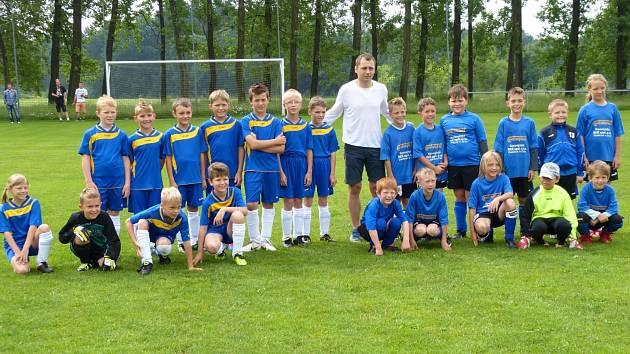Fotbalového turnaje přípravek se zúčastnilo šest družstev. Z vítězství se radovala Česká Skalice, domácí tým skončil bronzový.