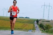 VÍTĚZ. Třicátý ročník Lupenické dvanáctky suverénně ovládl Martin Moravec, který trať absolvoval stylem start cíl.