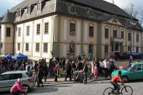 Velikonoce 2016 na zámku v Potštejně. Vítání jara s řemeslnými trhy.