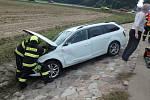 Od nehody odvezli záchranáři dva zraněné.