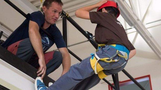 Lezecký kurz pro mladé hasiče.