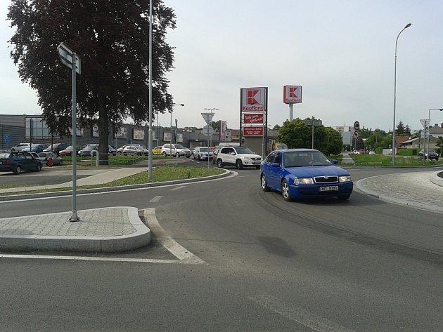 Kruhový objezd v Rychnově nad Kněžnou