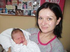 DANIEL MATĚJKA:  Manželé Kateřina a Evžen Matějkovi z Pasek se radují ze syna. Narodil se 12. října  v 2:44 hodin a po narození vážil 3,28 kg a měřil 51 cm. Doma se na malého brášku těšila sestřička Viktorka. Tatínek to k porodu málem nestihl, porod byl v