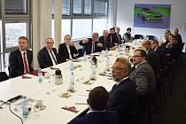 Ministr průmyslu Karel Havlíček se v Kvasinách seznámil s projekty na rozvoj průmyslové zóny.
