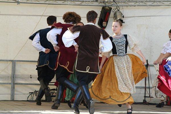MAĎARSKOU KULTURU poznali návštěvníci vloni na Svatováclavských slavnostech. Ze zahraničí přijedou i letos.