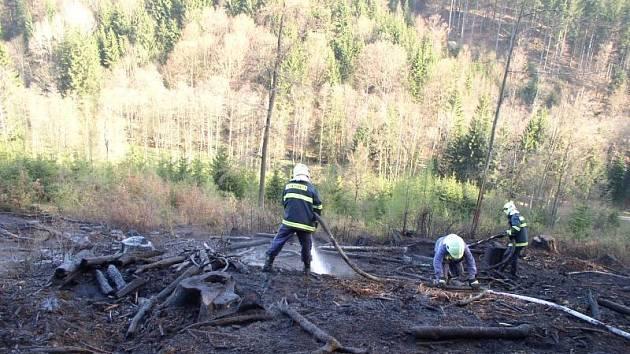 Zásah hasičů v Rokytnici v Orlických horách - Julinčino Údolí