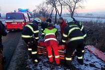 První pomoc zraněné osobě v Hrošce.