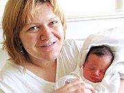 ALŽBĚTA SMOLÍKOVÁ se narodila manželům Renátě a Martinovi Smolíkovým z Opočna. Na svět se poprvé podívala 30. 12. ve 14.24 hodin s váhou 3,18 kg a délkou 49 cm. Tatínek to u porodu zvládal bezkonkurenčně.