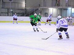 SAMOSTATNÉ NÁJEZDY musely rozhodnout úvodní zápas čtvrtého kola RHL mezi Častolovicemi a  Bílým Újezdem.