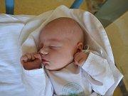 JIŘÍK HÁNL se narodil14. května v 16:10 manželům Lence a Jiřímu Hánlovým z Albrechtic n. Orl. s váhou 3950 gramů a délkou 51 cm. Tatínek porod zvládl na jedničku a byl mamince velkou oporou. Doma se těšila Lenča.
