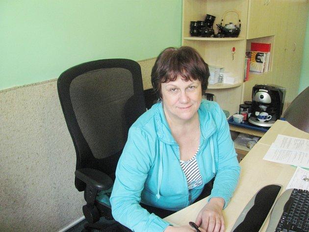 Ředitelka charity Eva Šmídová ve své kanceláři.