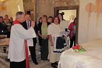 Žehnání pece v hostinci Karla IV. v Záměli